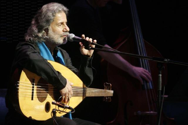 مارسيل خليفة يغني لضحايا العدوان الإسرائيلي على غزة