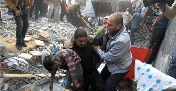 أكبر حاخامات الصهاينة يجيز قتل المدنيين بغزة