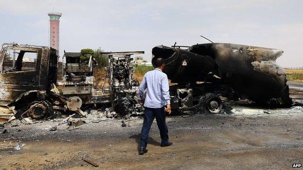 ليبيا تبحث إمكانية طلب تدخل قوات دولية لوقف العنف بالبلاد