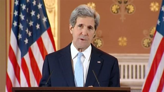 جون كيري يدعو إلى وقف أعمال العنف بليبيا