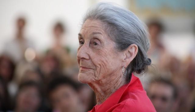 وفاة الروائية الجنوب إفريقية نادين غورديمر