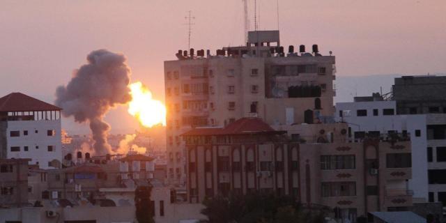 صواريخ فلسطينية تصل حيفا لأول مرة