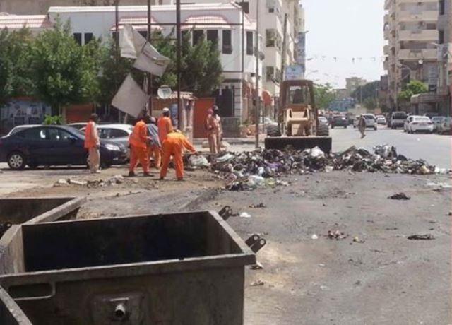 ليبيا: وصول الدفعة الأولى من سيارات نقل القمامة