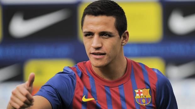 أليكسيس يرحل عن برشلونة قريبا