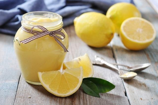 بشرتك أفتح مع خلطات الليمون الطبيعية لاستقبال العيد