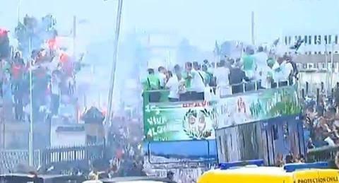 الآلاف في استقبال لاعبي المنتخب الجزائري
