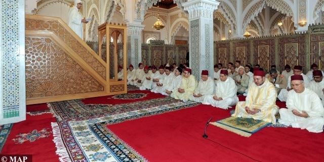 العاهل المغربي يصدر ظهائر تمنع الأئمة من ممارسة السياسة