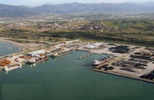 الجزائر: ضمان تكاملية بين ميناء جن جن و مطار فرحات