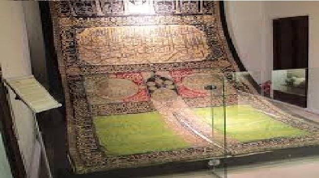 الشارقة تعرض أكبر «ستارة عثمانية» لباب الكعبة