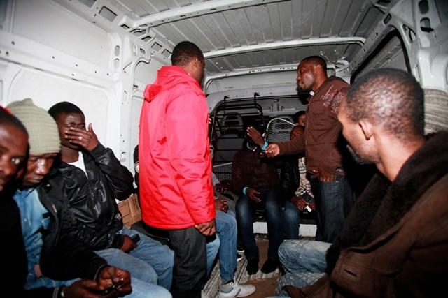 المغرب: عشرون جريحا في اشتباكات بين المهاجرين
