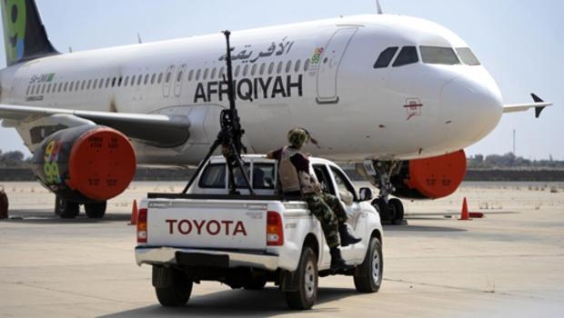 تونس والجزائر تتوجسان من هجمات إرهابية غير مسبوقة بعد اختفاء طائرات مدنية من مطار طرابلس