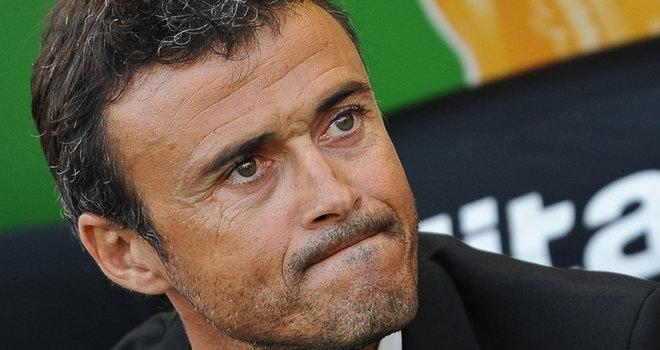 مدرب برشلونة يرفض بقاء داني ألفيس