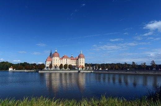 درسدن الألمانية مدينة الرومانسية والجمال والطبيعة الخلابة