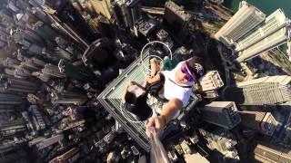 !بالفيديو..صيني يلتقط أخطر سيلفي في العالم