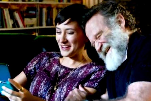 ابنة الممثل الأمريكي الراحل روبين ويليامز مستاءة من الانتقادات القاسية لمتابعيها
