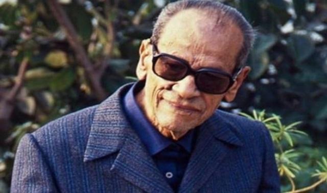في ذكرى نجيب محفوظ : أول كاتب عربي حائز على جائزة نوبل في الأدب