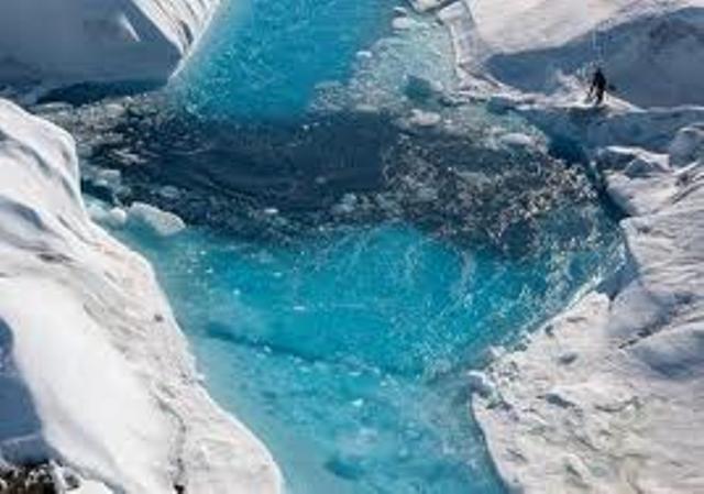 أيسلندا تفتتح نفقا جليديا ضخما في 2015