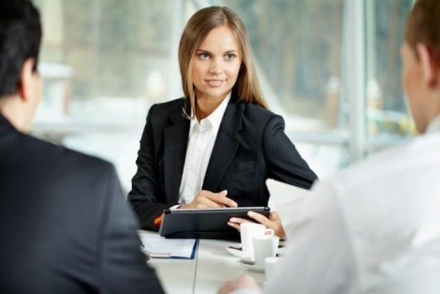 دراسة تؤكد أن المنافسة تقتل الإبداع لدى المرأة