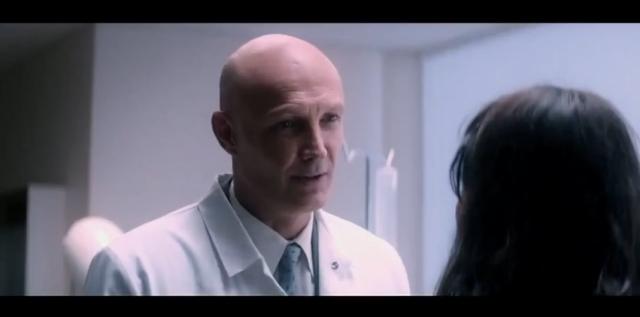 اللاعب الفرنسي فرانك لوبوف يجسد دور طبيب في فيلم سينمائي