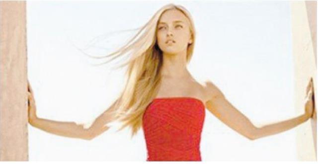النساء في اللون الأحمر أكثر جاذبية للرجال