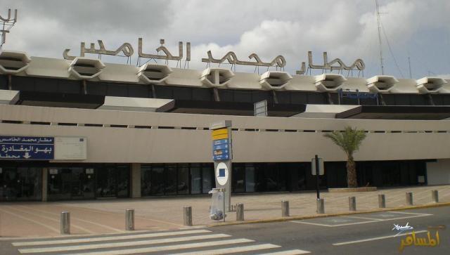 50 صحراويا مسافرا قادما من الجزائر عرقلوا حركة المرور بمطار محمد الخامس