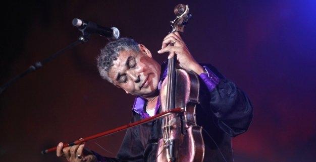 المغني المغربي الستاتي سعيد بتفاعل الجمهور الجزائري