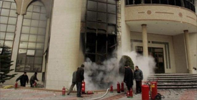 اسرئيل تقصف مبنى الجامعة الإسلامية في غزة