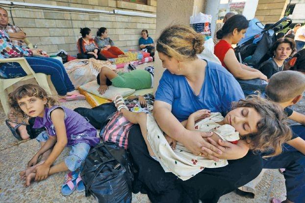 داعش تواصل تهجير الأقليات وتقترب من أربيل