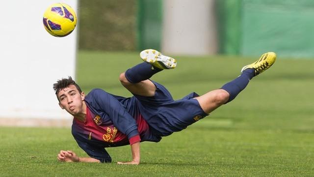 المنتخب المغربي يسعى لاعب من برشلونة