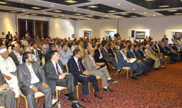 البرلمان الليبي يدعو الميليشيات المتناحرة للحوار