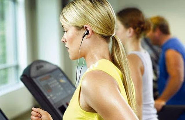 الموسيقى خلال الرياضة تجعلك قوياً
