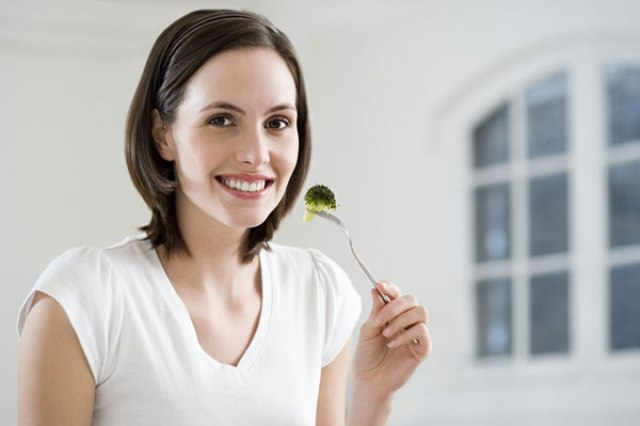 أطعمة التي تساعد على تنظيم هرمونات المرأة