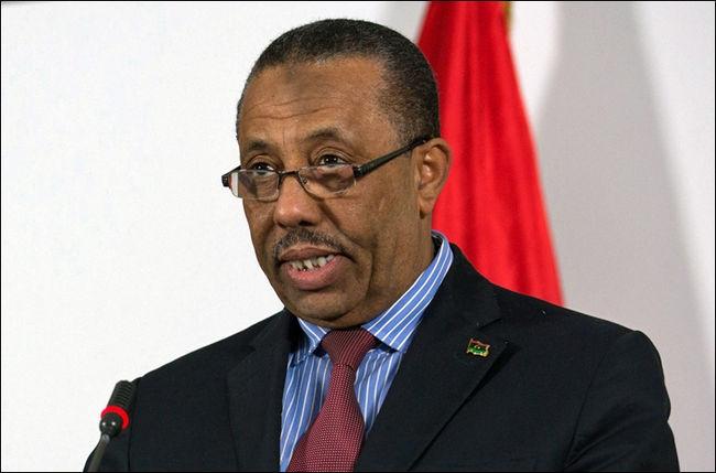 ليبيا: مسلحون يقتحمون منزل رئيس الحكومة ويضرمون فيه النار