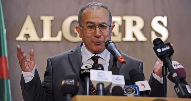 دولة مالي ترد على الجزائر وتشيد بدور المغرب في حل الأزمة المالية