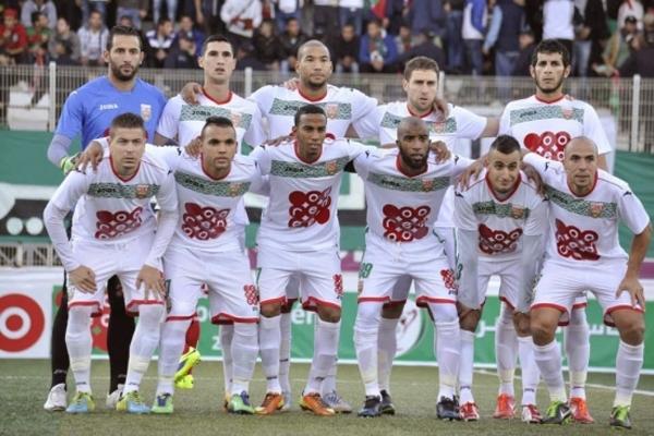 فريق مولودية الجزائر يتوج بالكأس الممتازة