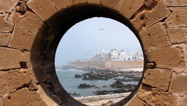 المركز المغربي للثقافة والفنون يتهم المجلس البلدي لمدينة الصويرة بالسطو  على