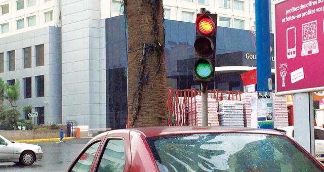 علامات تشوير معطلة تربك حركة السير في الدار البيضاء