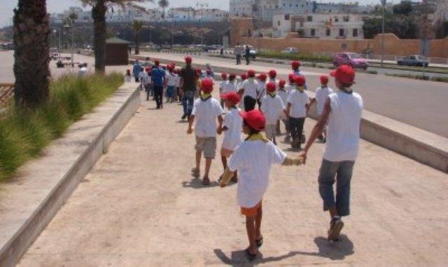 تظاهرة لأطفال العالم في قلب العاصمة السياسية للمملكة المغربية تدعو لنشر السلام