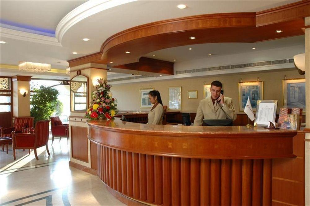 مشروع قانون يلزم الفنادق السياحية بالإبلاغ عن نزلائها إلكترونيا