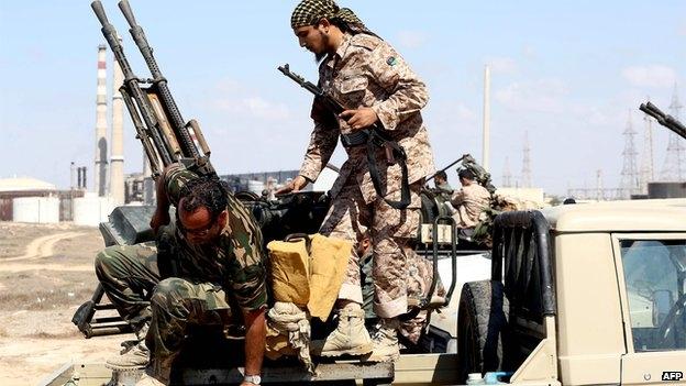 هل تسعى الميليشيات الإسلامية لحسم المعركة في ليبيا تحسبا لتدخل دولي؟