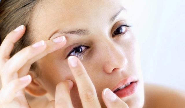 6 نصائح لتفادي خطر العدسات اللاصقة