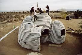 منازل رملية آمنة.. آخر الاختراعات بغزة لمواجهة الحصار