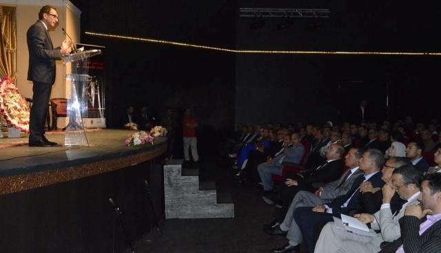 العاهل المغربي يحيط الكاتب محمد أديب السلاوي بعنايته الكريمة