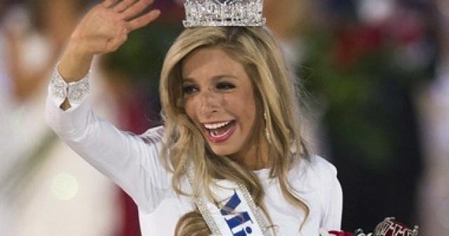 أمريكية من أصل روسي تتوج بلقب ملكة جمال أمريكا