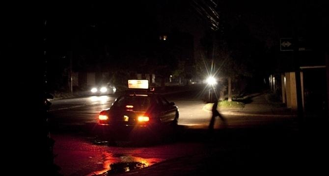 غضب واستياء للموريتانيين بسبب انقطاع الكهرباء في العاصمة نواكشوط