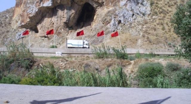 المغرب يشرع في بناء سياج على حدوده مع جارته الجزائر