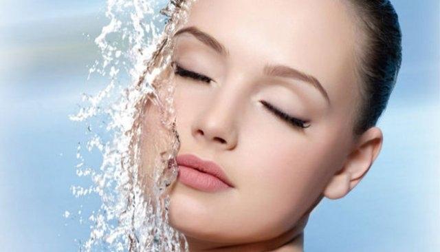 احمي بشرتك من جفاف الخريف وبرودة الشتاء