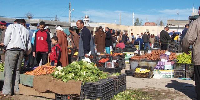مضاربون يلهبون أسعار السوق الجزائرية أياما قبل العيد