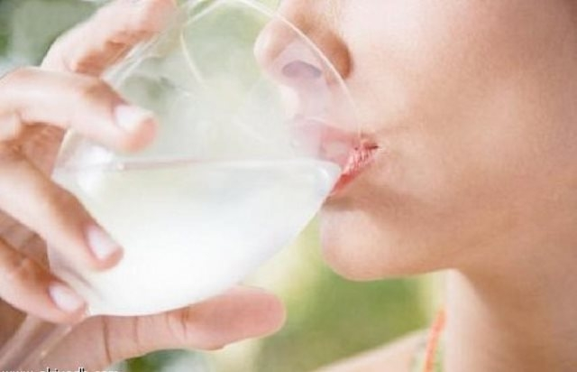 8 أكواب ماء يوميًا تحافظ على وزن مثالي للجسم