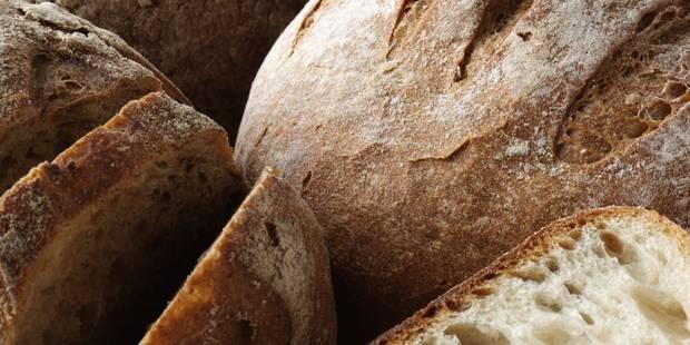 رئيس جمعية حماية المستهلك بالجزائر: استيراد 11حاوية من الخبز المجمد فضيحة من العيارالثقيل